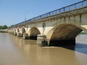 Pont de pierre historique de Libourne