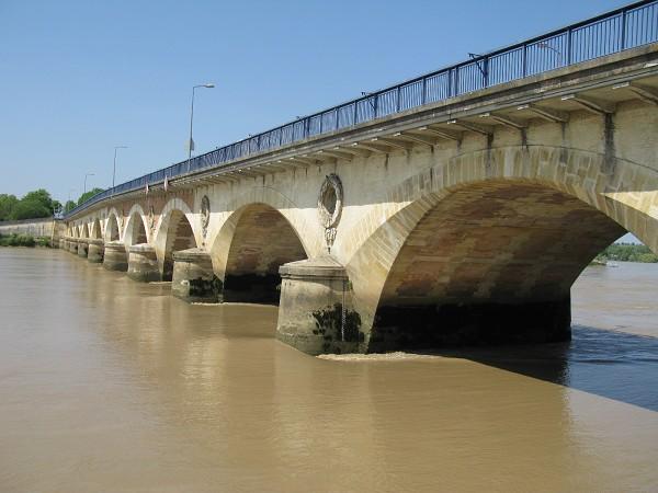 Pont Pierre de Libourne